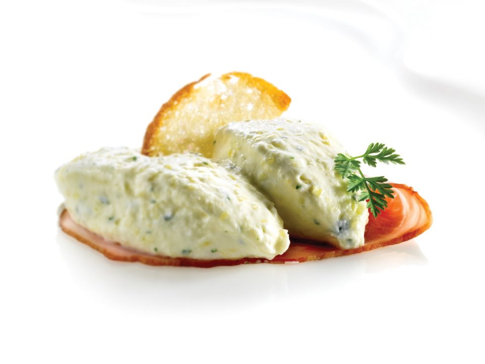 Cream made of sour cream with horseradish and potatoes